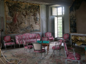 blog.mcclureblock_louis_xv_chateau_de_talcy_interieur_03-300x225 A Brief History of Furniture: Part II